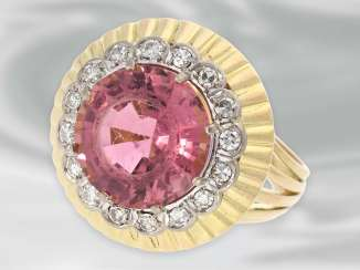 Ring: very decorative and fancy carved vintage gold wrought ring with a large tourmaline and diamond trim
