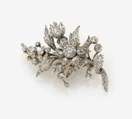 Diamond brooch in the Form of a flower bouquet