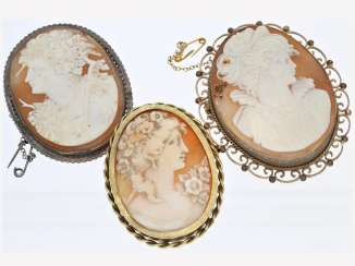 Brooch: lot of 3 antique brooches with cameos, CA. 1870-1950