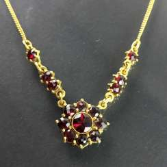 Garnet necklace: silver 925 gold plated, hand work, very beautiful.