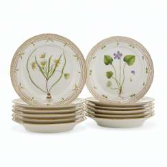 TWELVE ROYAL COPENHAGEN PORCELAIN 'FLORA DANICA' LUNCHEON PLATES