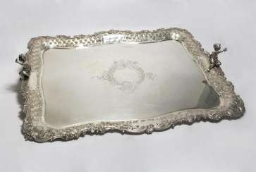 Large ceremonial tray with Figurenzier