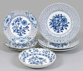 Small collection of porcelain with the onion pattern décor