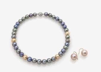 Cultured pearls necklace and a Pair of earrings