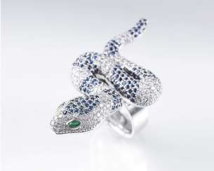 Snake Ring with brilliant and sapphire trim