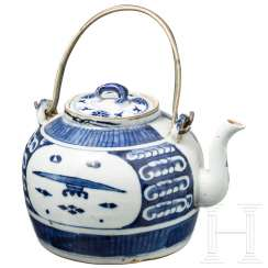 Blue and white porcelain teapot, China, 18th century