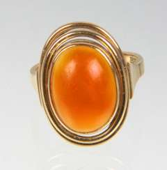 Design Ring with carnelian yellow gold 585
