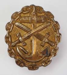 Wounded badge, 1918, for the Navy, and Gold.