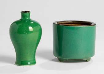 Monochrome green glazed Meiping, and a brush washer porcelain, with brown edge