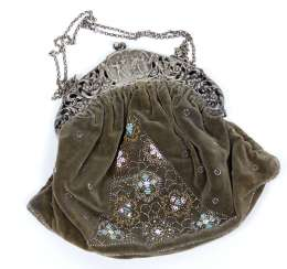 Velvet bag with Beading around 1920/30