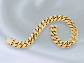 Bracelet: particularly heavy and solid-made armor bracelet, expensive wrought gold, 18K Gold