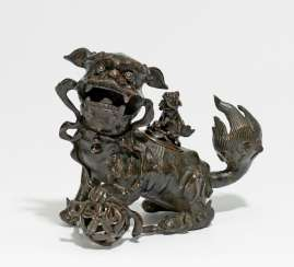 Incense burner in the Form of a shizi lion with Cub on the back