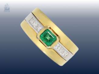Ring: large diamond/emerald gold forged ring, very fine quality