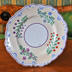 Dessert plate of porcelain