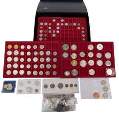Coin case with 3 trays All over the world with