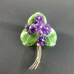 Exclusive Jade-Amethyst-And-Diamond Brooch: Bouquet Of Violets, Yellow Gold 585,1. Half of the 20. Century Unique!
