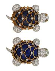 PAIR OF HAMMERMAN BROTHERS LAPIS LAZULI AND DIAMOND TURTLE BROOCHES