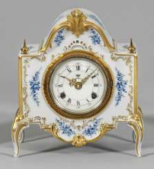 Magnificent table clock with floral decoration