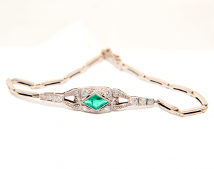 Bracelet with emeralds and diamonds
