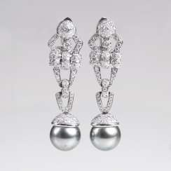 Very fine brilliant earrings with Tahitian pearls