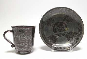 Mug and bowl with Chinoiserie and hunting scene