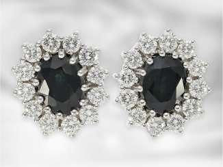 Earrings: attractive classic sapphire/brilliant stud earrings, for a total of approx. of 2.76 ct, 14K white gold, handmade
