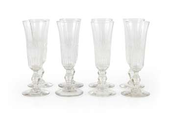 8 champagne glasses