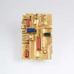 Vintage Gold brooch with semi-precious stone trim of Walter Erckert