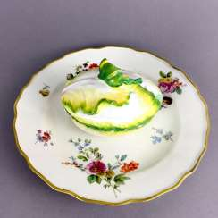 Johann Joachim Kaendler for the Royal Porcelain factory of Meissen: cabbage head Look on a plate, 1745/50.