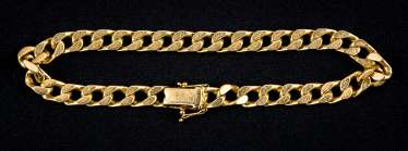 Golden chain bracelet with snap clasp and 2 safety eight