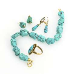 5 pieces of jewelry with turquoise