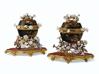 A PAIR OF EARLY LOUIS XV ORMOLU-MOUNTED JAPANESE LACQUER AND FRENCH PORCELAIN POTPOURRI BOWLS AND COVERS ON STANDS