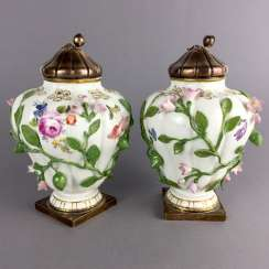 Johann Joachim Kaendler for the Royal Porcelain factory of Meissen: a Pair of Potpourri lid, vases, 1745. Silver Regalia Of Paris.