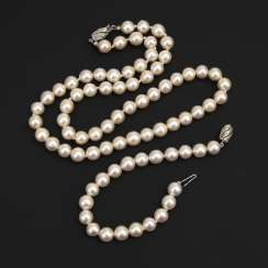 Cultured pearls necklace and bracelet with buckle made