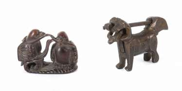 Katabori-Netsuke and figurative castle, among other things, Japan