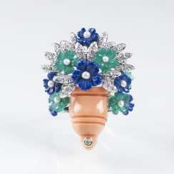 Cocktail ring with gem stone flowers bouquet in coral Vase