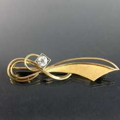 Grinding brooch: Yellow Gold 585, Brillant diamond of approximately 0.5 carats, hand 20. Century.