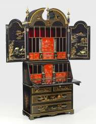 Writing Desk with chinoiserie decoration
