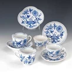 2 + 2 Onion Cups Pattern, Meissen.