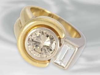 Ring: modern Designer wrought gold ring with a large fancy brilliant cut, approx. 1,89 ct, 18K Gold