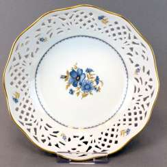 Breakthrough bowl / Decorative with edge in openwork, gold edge, very good.