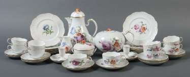 Coffee/tea set with fashion flowers painting for 10 persons Ludwigsburg