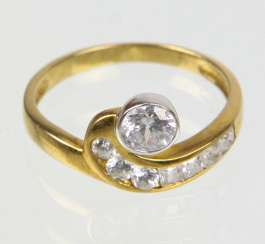 Ring with cubic Zirconia - yellow gold 333