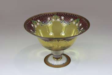 Large Crystal footed bowl, klechartiger body on a short