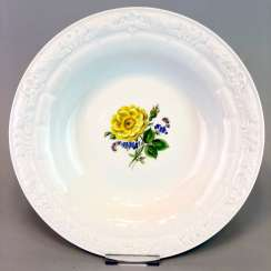 Wall Plate / Ornamental: Meissen Porcelain. Decorative Flower Painting.