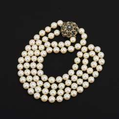 2-row cultured pearl necklace with decorative clasp
