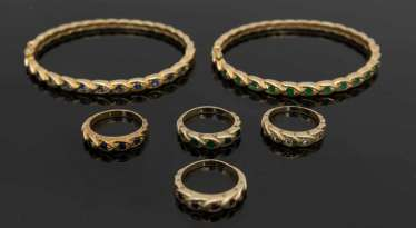 FOUR RINGS AND TWO BRACELETS, 585 yellow gold with stones.