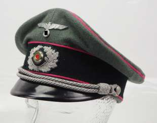 Wehrmacht: visor cap for officers of the armored force.