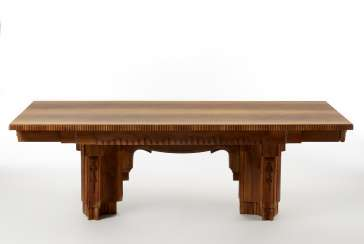 Rectangular déco table in solid walnut wood