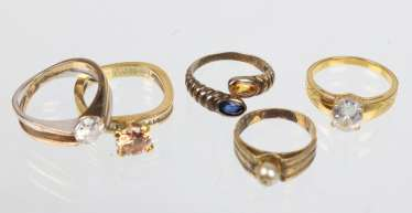 3 statement rings among others